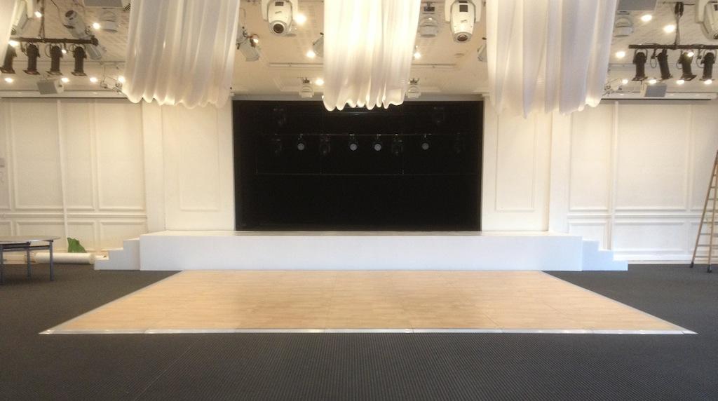 Piste de danse au Pavillon d'Armenonville, au bois de Boulogne 1